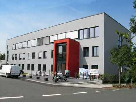 Bürogebäude mit 3.000 m2 Gesamtmietfläche 1.000 m2 auf einer Ebene