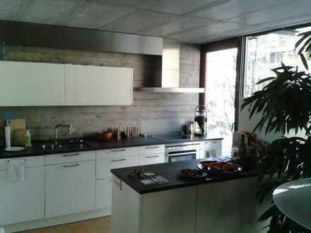 Wir suchen Dich! Traumhafte Wohnung im Französischen Viertel