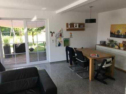 18 qm großes Zimmer sucht neuen Bewohner/in in 130 qm Haus
