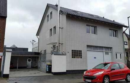 TOP 2-Zimmer-Wohnung mit Wintergarten, Terrasse, Gäste-WC, Bad in Hürth-Efferen