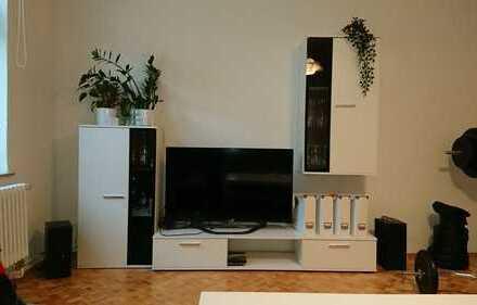 Stilvolle, geräumige 2-Zimmer-Wohnung in guter Lage zur Zwischenmiete