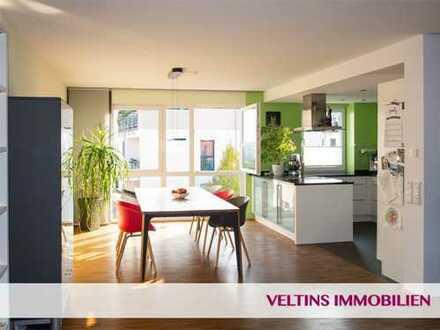 Frankfurt- Riedberg: Große, fantastische Penthouse-Wohnung mit vier Schlafzimmern nahe U-Bahnstation