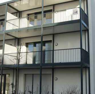 Erstbezug: stilvolle 3-Zimmer-Wohnung mit EBK und Balkon in Nidderau mit Tiefgaragenpl. m. E-Lade-S.