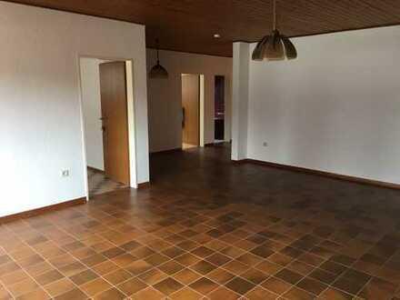 Gepflegte 2,5-Zimmer-Dachgeschosswohnung mit Balkon in Hamminkeln-Mehrhoog