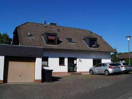 Gepflegtes Dreifamilienhaus in Herforst zu verkaufen.