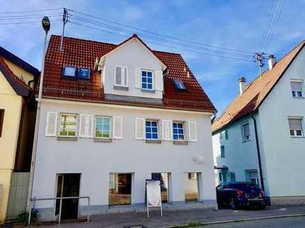 Zum Eigennutz oder als Kapitalanlage! Freie 3 Zimmer-Wohnung mit Balkon zu verkaufen.