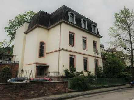 Haus & Grund Immobilien GmbH- Altbau m. Schloßblick - ruhig gelegene 5 ZKDB WC in Heidelberg