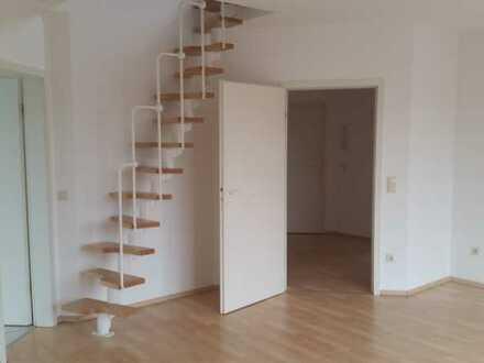 Helle 3 Zimmer Wohnung mit ausgebautem Spitzboden