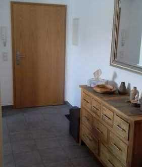 Schicke, gepflegte 2-Zimmer-Maisonette-Wohnung mit Balkon und EBK in Neukirchen-Vluyn