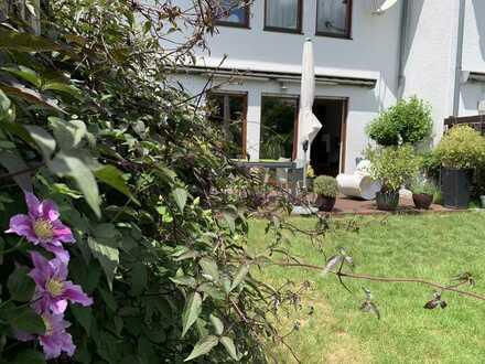 Modernes Einfamilienhaus mit Garten und Garage in Mannheim, Neuhermsheim