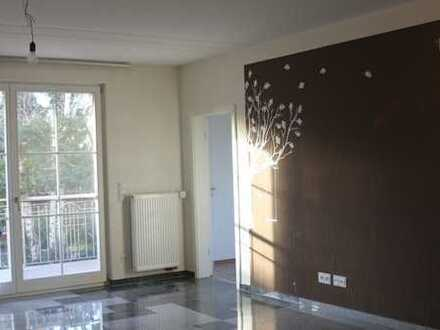 Gepflegte 4-Zimmer-Wohnung mit Balkon und EBK in Dettelbach