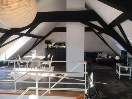Im Loftstil 2-Zimmer Altbauwohnung auf 2 Etagen in Stuttgart