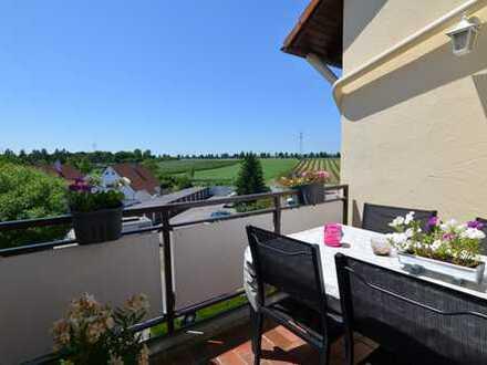 ** Eine Wohnung zum Verlieben ** Balkon ** tolle Aussicht ** familienfreundliche Wohnanlage **