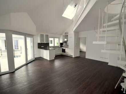 NEUwertig! Traumhafte Wohnung mit hohen Räumen, offener Galerie und Süd-West-Balkon in guter Lage