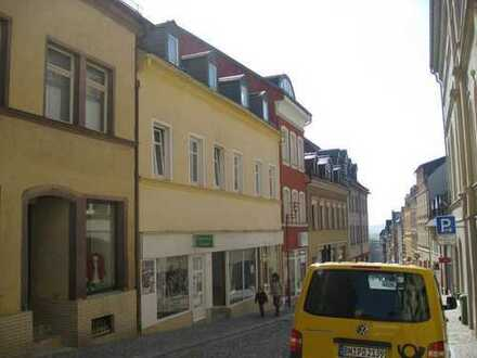 Renovierte Zweiraum - Stadtwohnung