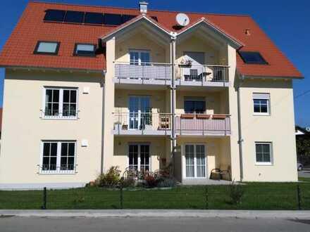 Stilvolle, neuwertige 3,5-Zimmer-Dachgeschosswohnung mit Balkon und EBK in Weil