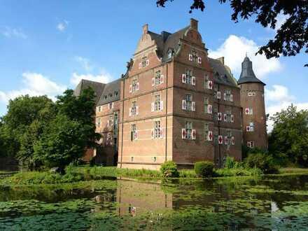 Luxuriöse 5 Zimmer Wohnung im exklusiven Schloss Bedburg zu vermieten