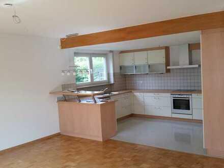Attraktive 4,5-Zimmer-Erdgeschosswohnung mit Terrasse und Einbauküche in Wollbach
