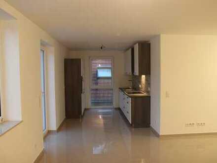 Schöne, geräumige drei Zimmer Wohnung in Main-Taunus-Kreis, Sulzbach (Taunus)
