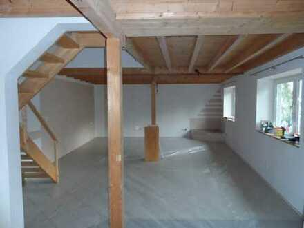 Günstige, geräumige und modernisierte 3-Zimmer-Wohnung mit kleinem Hof in 67596 Frettenheim.