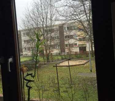 Ruhige 2-Zi-Wohnung in MFH mit Kfz Stellplatz