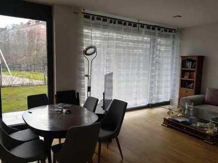 Traumhafte 2-Zimmer-EG-Wohnung mit Einbauküche und Balkon in Schöneberg, Berlin