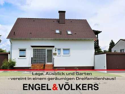 Lage, Ausblick und Garten - vereint in einem geräumigen Dreifamilienhaus!