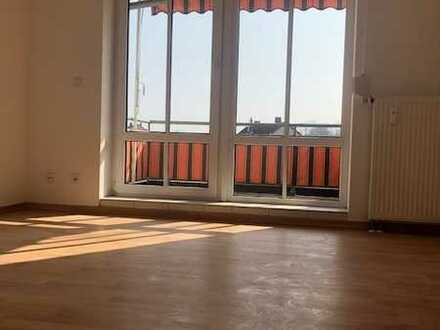 Schöne 2 Raumwohnung im 3.OG mit Balkon wartet auf Sie!