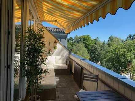 Helle und ruhige 4-Zimmer-DG-Wohnung mit sonniger Süd Terasse