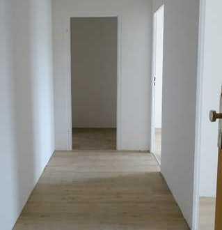 **Zentrale, renovierte 3-Raum Wohnung**