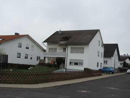 Gehobene, komplett renovierte 4-Zim.-Wohnung in Altenstadt