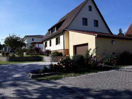 Freistehendes 1-2 Familienhaus, 6 Zimmer bei Markt Erlbach, Erstbezug nach Sanierung