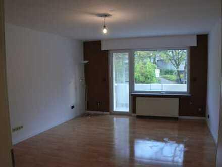 Vollständig renovierte 3,5-Zimmer-Hochparterre-Wohnung mit Balkon und EBK in Bochum