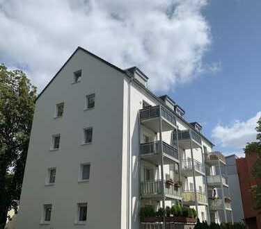 RHEINGAUVIERTEL!!! Sonnige 3-Zi. mit EBK, großem Balkon und TGL-Bad!!!