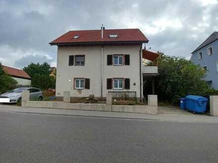 Zwangsversteigerung - Eigentumswohnung (1.OG & DG) in Waidhaus sucht neue Besitzer