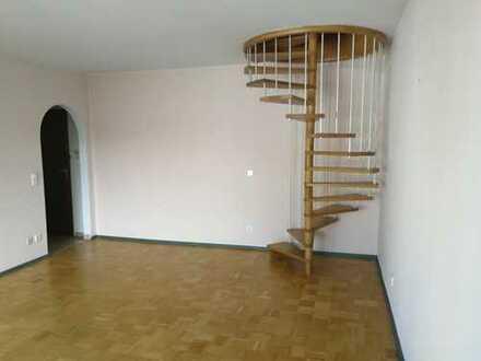 Attraktive 2-Zimmer-Maisonette-Wohnung mit Balkon in Hadern, München