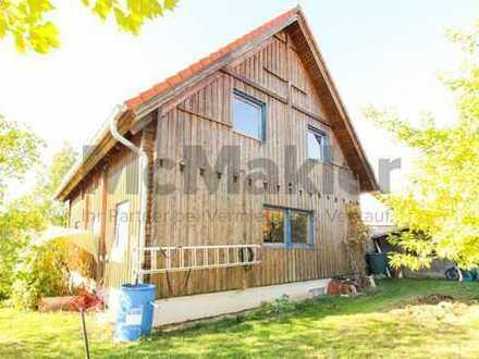 Ein Heim voller Gemütlichkeit im Grünen! Charmantes Holzhaus mit Garten nahe Neumarkt und Nürnberg!