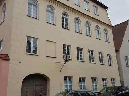 Elegante, helle Etagenwohnung mit Galerie in Neuburgs Altstadt