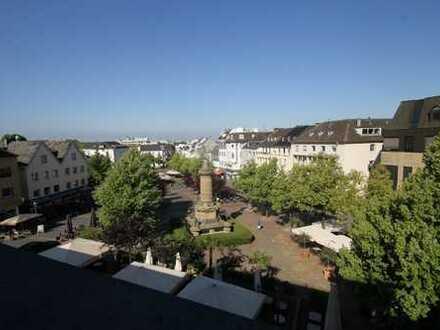 Wohnen im Herzen von Siegburg; 3 Zimmerwohnung mit großem Balkon und Blick auf den Michaelsberg