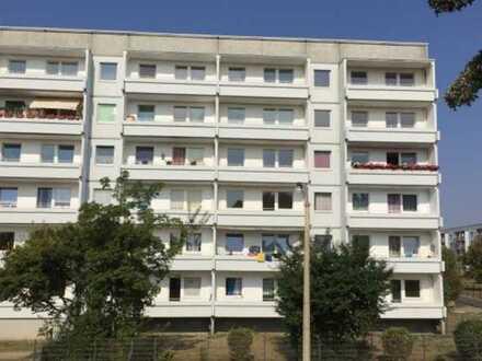 Schöne 3-Raum Wohnung + Balkon + EBK
