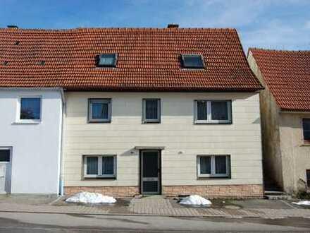 Doppelhaushälfte mit schönem Garten und Freisitz in Meßstetten