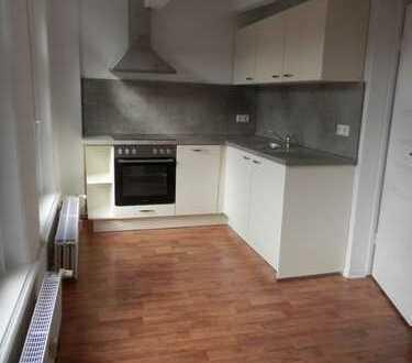 Innenstadt: renovierte 1-Zimmer-Wohnung im Erdgeschoss zu vermieten!