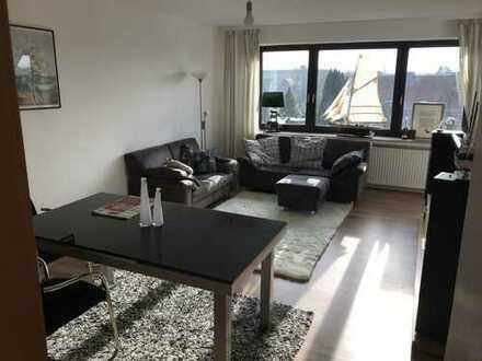 Vollmöbliertes Zimmer in wunderschöner Wohnung über den Dächern Hannovers