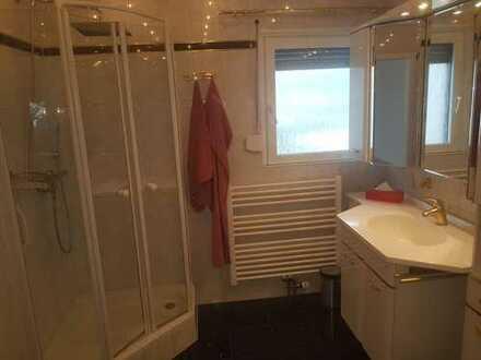 möbiliertes 16m² Zimmer mit eigenem Bad in Haimhausen