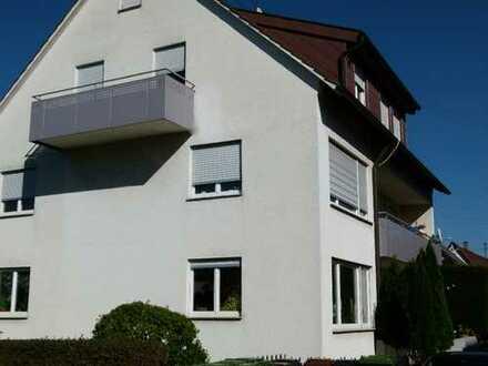 Vollständig renovierte 3,5-Zimmer-Dachgeschosswohnung mit Balkon in Ludwigsburg