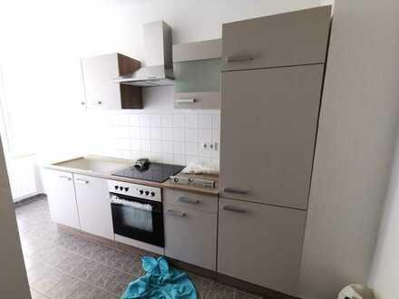 +++ attraktive 1-Raum-Wohnung mit Einbauküche, Tageslichtbad und Badewanne im Musikerviertel +++