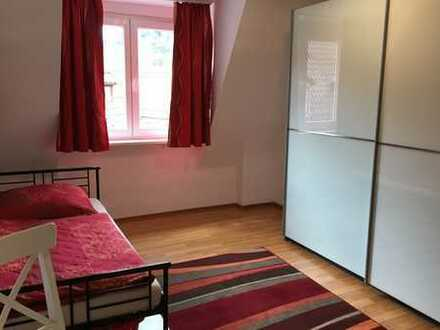 online buchbar: möbliertes WG-Zimmer mit Wlan, TV, Gästeküche, EtagenDusche/Wc, ab 1 Monat flexibel