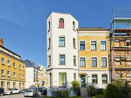 attraktives, vermietetes Wohn- und Geschäftshaus mit Turmaufbau