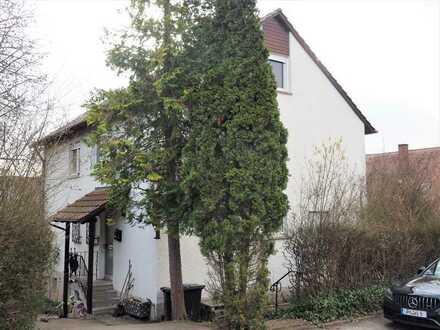 Zweifamilienhaus mit Garten in Wäschenbeuren (Landkreis Göppingen)