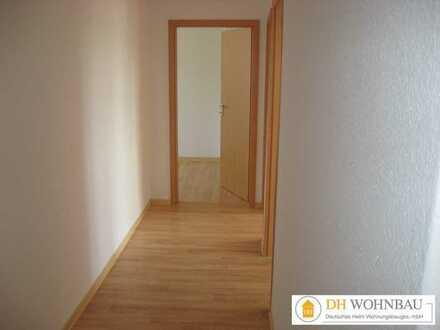 Helle, geräumige und modernisierte 4-Zimmer Wohnung in zentraler Lage